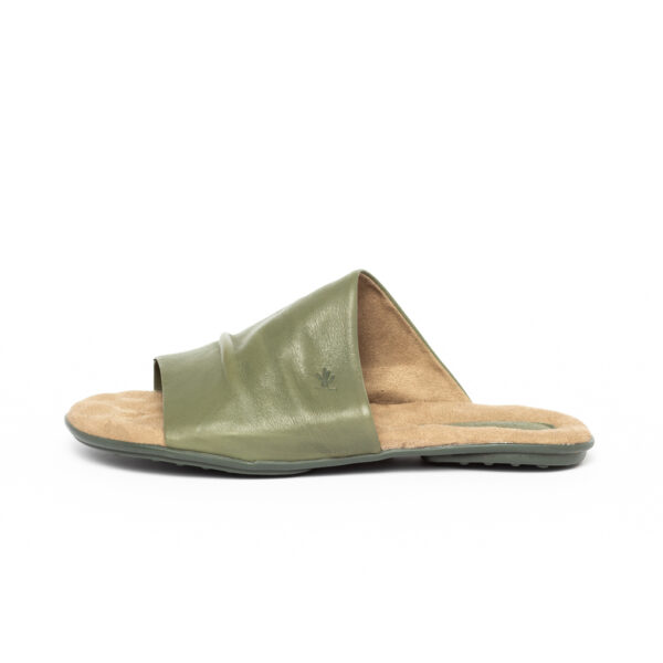 Chinelo Hoover